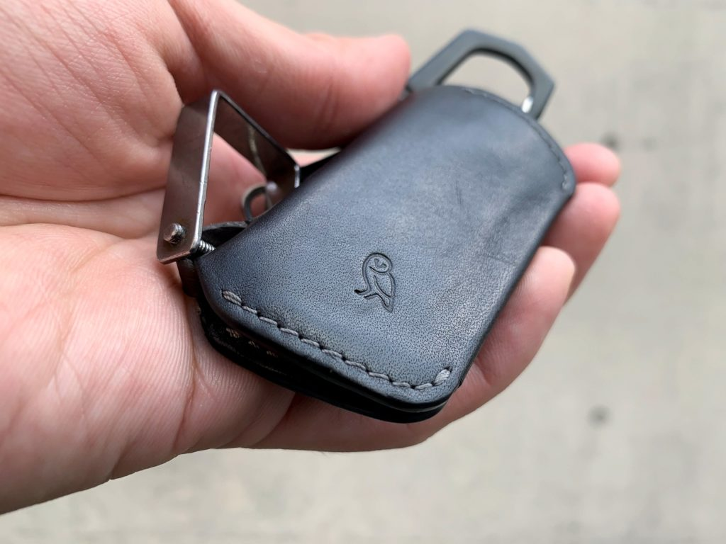 The Bellroy Key Cover comes with an external leather loop.