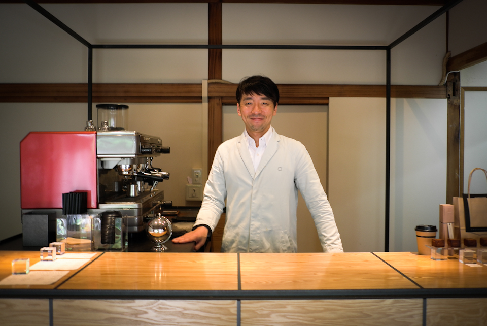 Very warm service from the best to-go koffee in Tokyo.