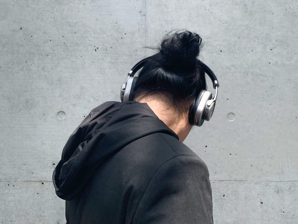 You definitely need a set of premium headphones when thinking of what to wear on a plane in Summer.