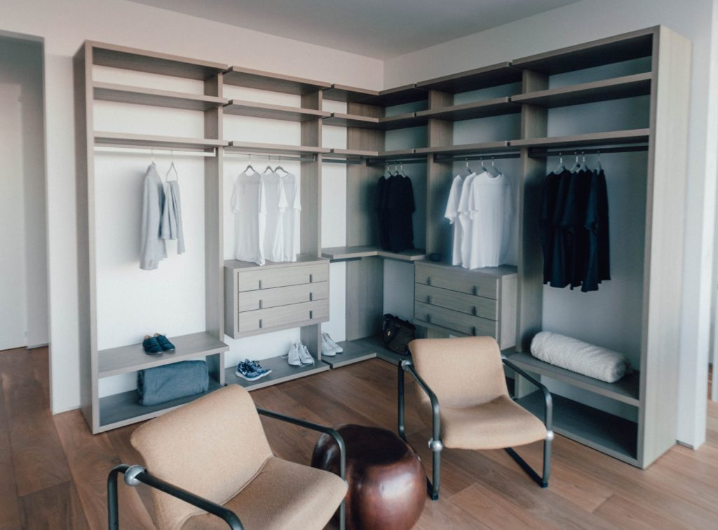 This is NOT what all minimalist wardrobe looks like.