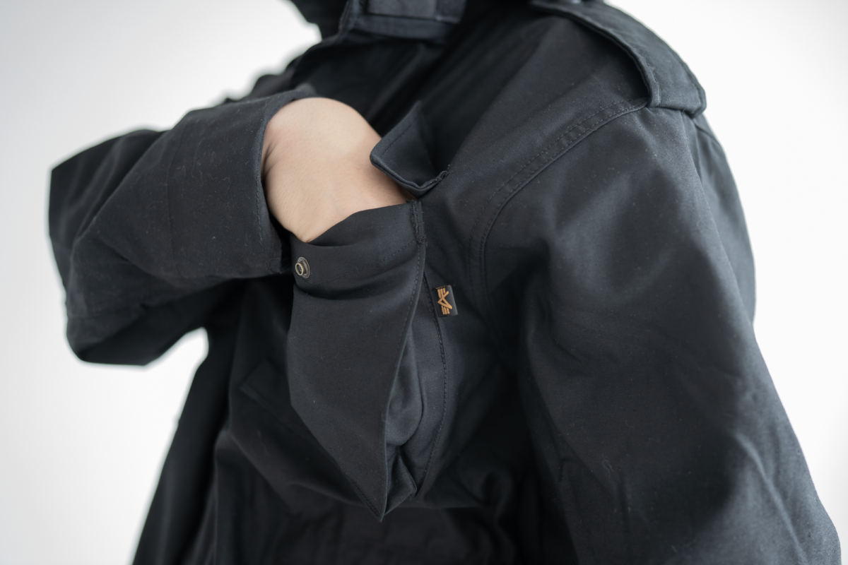 Hard to reach into top pockets of the Alpha Industries M-65.