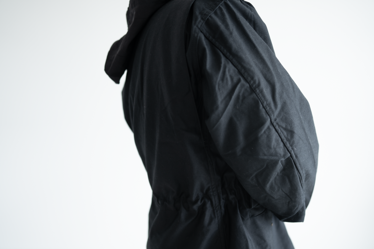 Pleats on the sleeves of the Alpha Industries M-65.