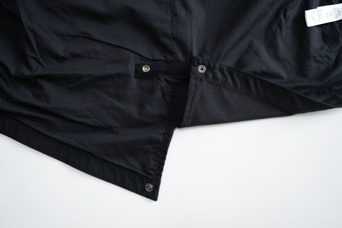 Fishtail can be kept on the Alpha Industries M-59.