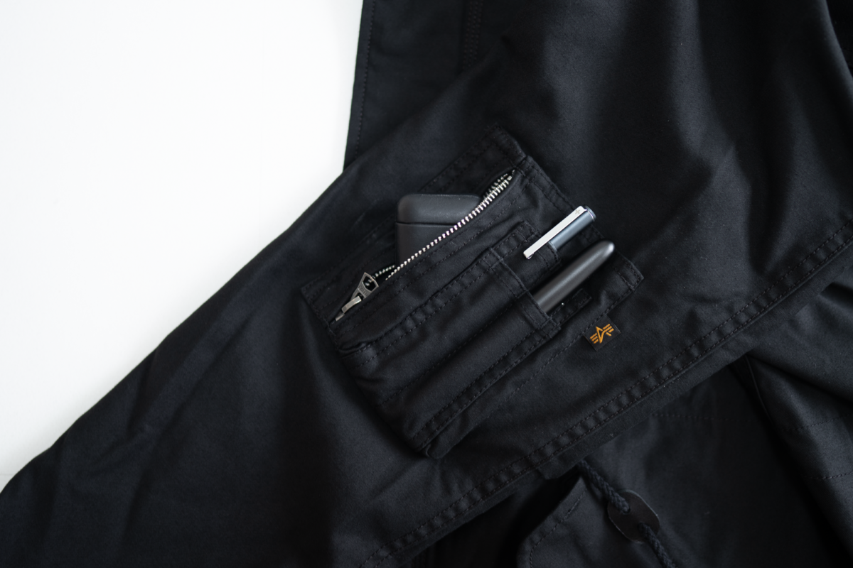 Sleeve pocket of the of the Alpha Industries M-59.